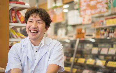 石川 佳男さんインタビューの様子